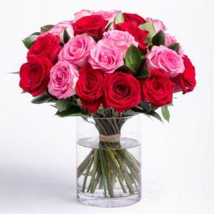 4 Cara Merawat Buket Bunga Mawar Asli Agar Tetap Segar